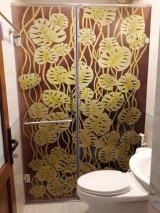 Cửa kính cường lực phòng tắm bền đẹp