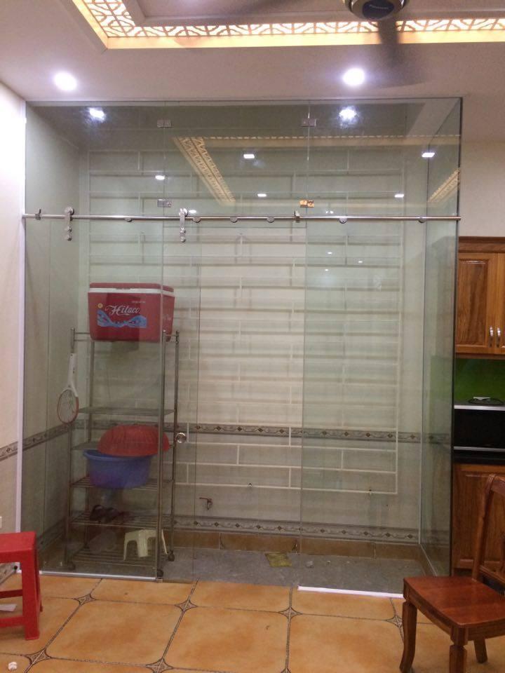 Cửa kính cường lực phòng tắmlà sản phẩm ưu việt 1