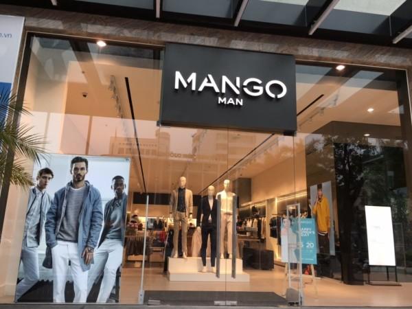 4. Mẫu cửa kính cường lực cho cửa hàng – trung tâm thương mại 1