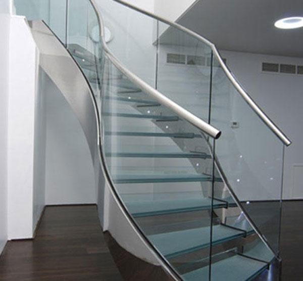 Trụ cầu thang 1