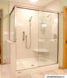 Vách kính nhà tắm: Cấu tạo, ưu nhược điểm và báo giá
