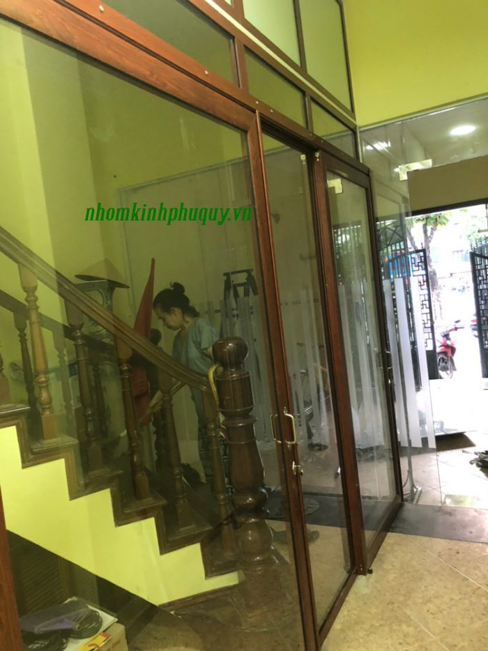 Vách kính cửa kính tại Hai Bà Trưng - Hà Nội 4