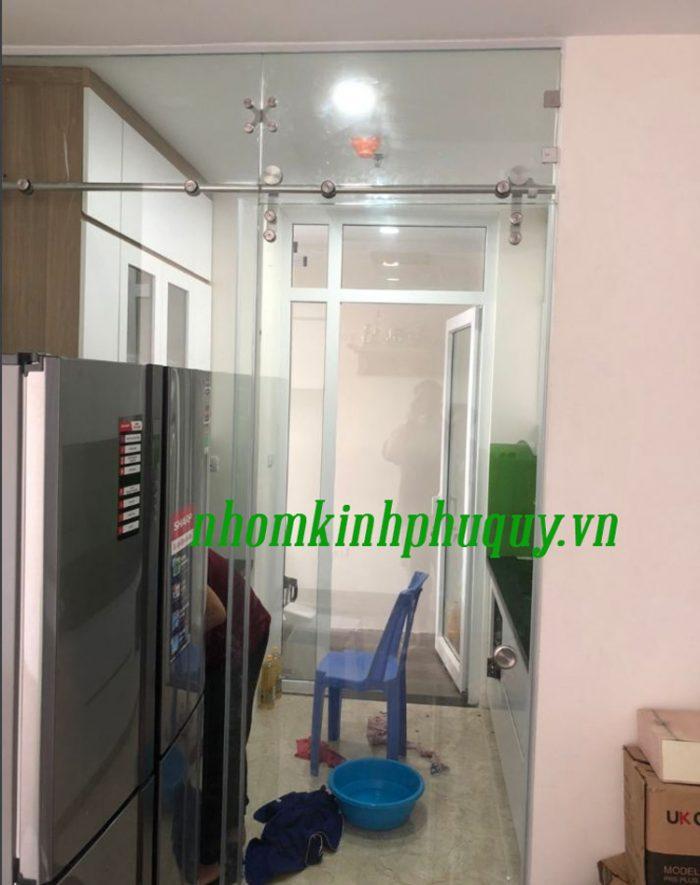 Tủ bếp ốp kính màu, cửa vách ngăn kính tại Hà Đông 4