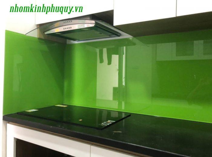 Tủ bếp ốp kính màu, cửa vách ngăn kính tại Hà Đông 2