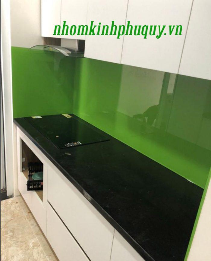 Tủ bếp ốp kính màu, cửa vách ngăn kính tại Hà Đông 3