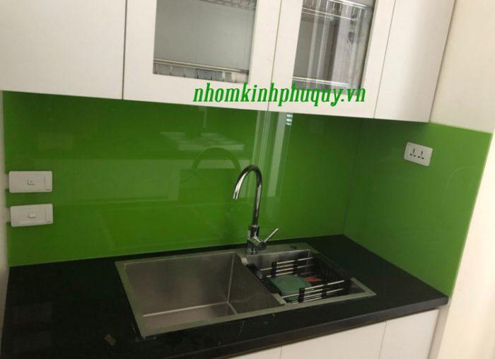 Tủ bếp ốp kính màu, cửa vách ngăn kính tại Hà Đông 1