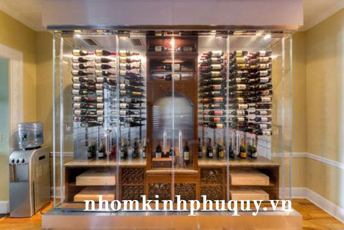 3. Tủ rượu nhôm kính kết hợp kệ trang trí 1
