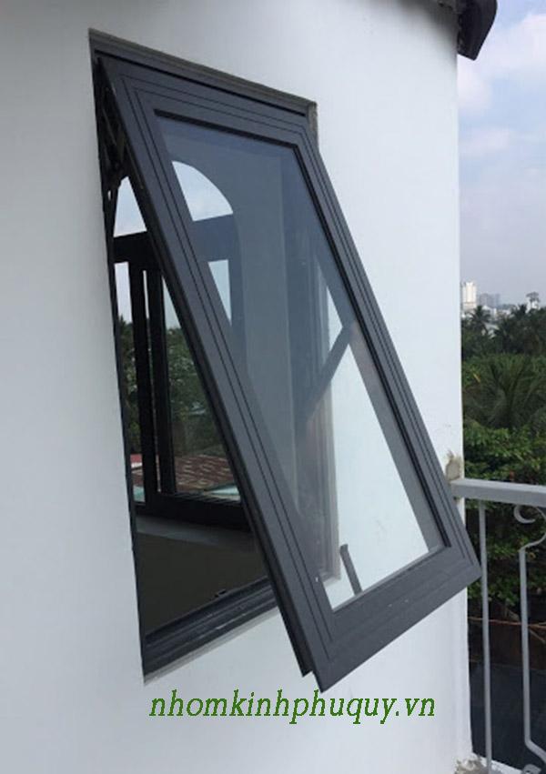 Mẫu cửa nhôm Việt Pháp màu đen đẹp 2