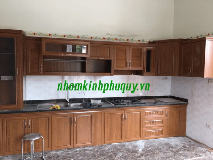 Mẫu tủ bếp nhôm Omega điển hình 4