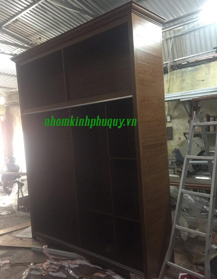 Hình ảnh tủ nhôm Omega làm tại xưởng Phú Quý 1