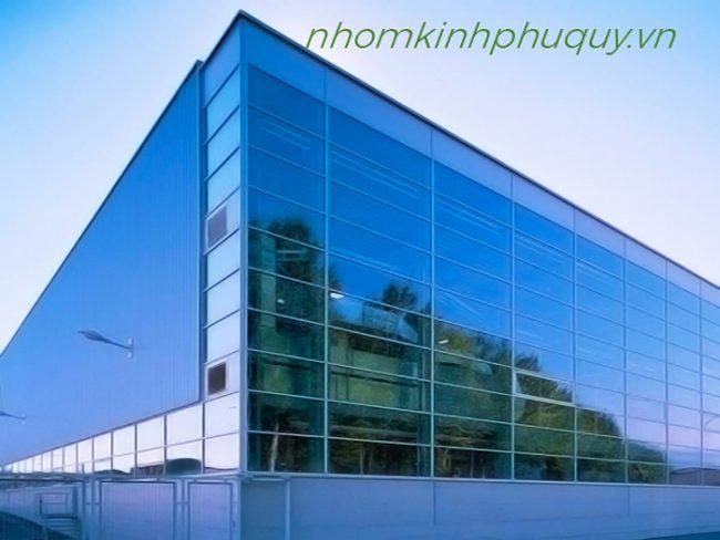 Ứng dụng vách kính mặt dựng nhôm Việt Pháp. 1