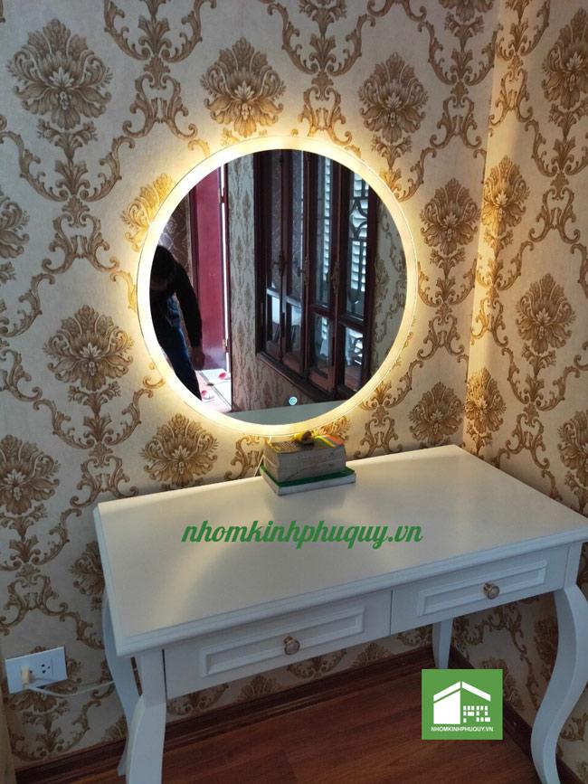 Ứng dụng Gương đèn led cảm ứng 1