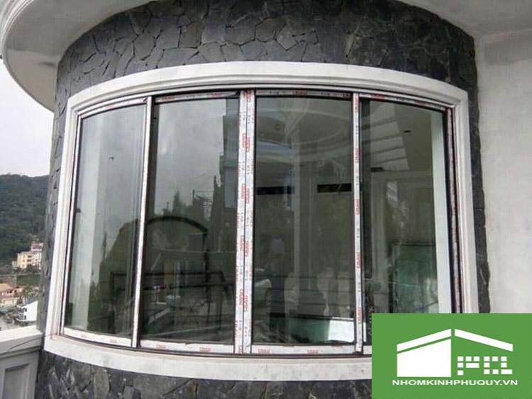 Mẫu cửa uốn vòm cong nhôm Xingfa đẹp 3